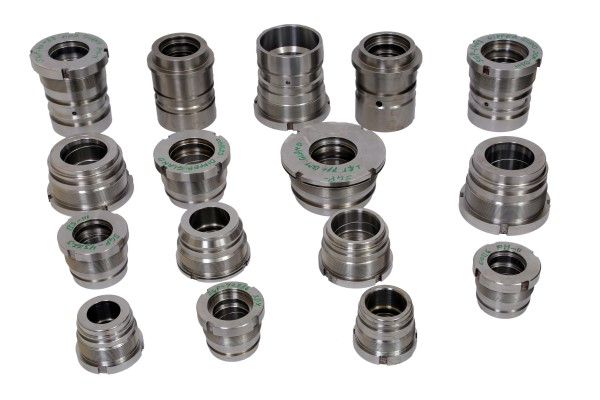 2. GLANDS FOR HYDRAULIC CYLINDERS (Custom)